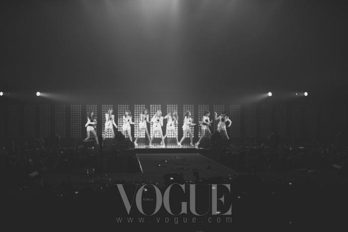 소녀시대의 '소원을 말해봐' 는 관객들이 모두 안무를 완벽하게 따라하고 한국어 노래를 따라 불러 이색적인 장면을 연출하기도 했다.