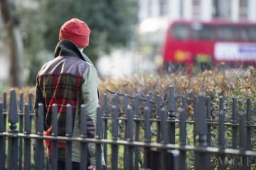 Red & Check 빨강 니트 비니와 런던의 상징인 데블 데커, 그리고 체크무늬가 등장한 지극히 영국적인 풍경!