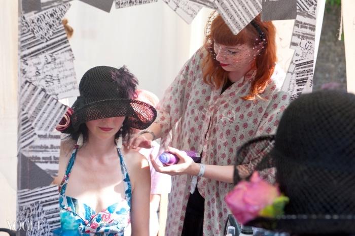 포트 엘리엇 페스티벌에서 시범을 보이고 있는 범블&범블의 비 왓슨. ⓒ Fiona Campbell