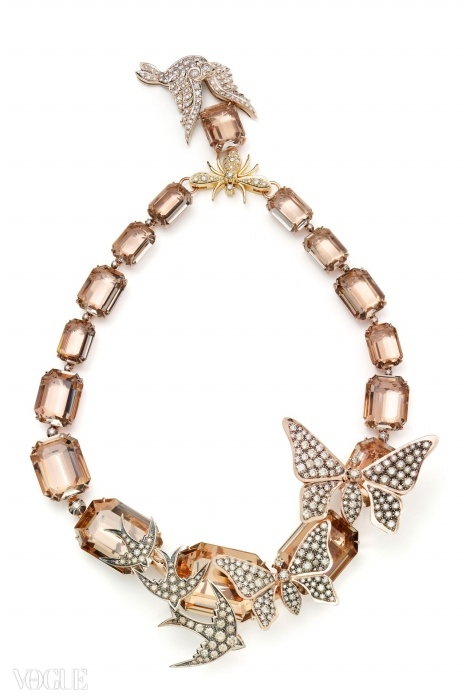 연수정과 다이아몬드가 장식된 로즈 골드, 옐로 골드, 화이트 골드 목걸이. ⓒ H. 스턴