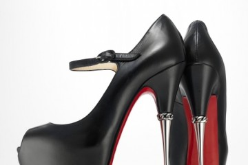크리스찬 루부탱의 스틸레토. '프린츠(Printz)' 2013/2014 ⓒ Christian Louboutin, 사진: Jay Zukerkorn for the Brooklyn Museum