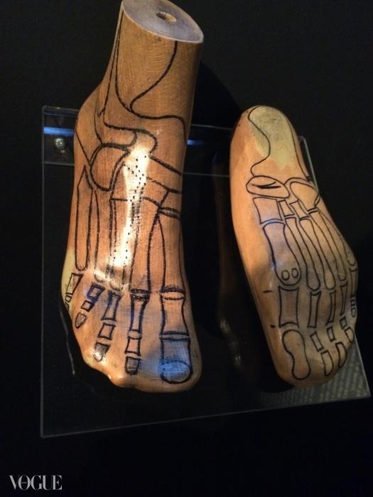 슈즈와 발을 연결하기 위한 살바토레 페라가모의 끝없는 노력을 분석해보겠다.