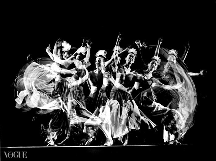 마사 그래이엄이 펼치는 현대 무용 공연, 1943년. © Gjon Mili//Time Life Pictures/Getty Images