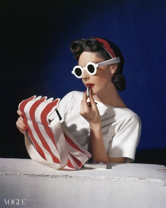 1939년 7월 1일자 미국 <보그> 표지를 장식한 뮤리엘 맥스웰(Muriel Maxwell). ⓒ Condé Nast Horst Estate