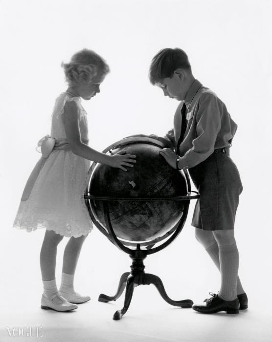 찰스 왕자와 앤 공주, 1956. ⓒ Snowdon