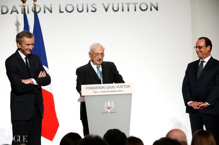 왼쪽부터 베르나르 아르노, 프랭크 게리, 프랑수아 올랑드 대통령. © Getty