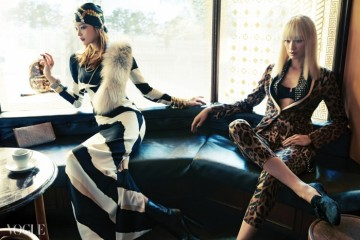 왼쪽 모델의 스트라이프 패턴 실크 롱 드레스와 앵클 부츠는구찌(Gucci), 여우털 머플러는 오브제(Obzéé), 스카프는 불가리(Bvlgari),금색 스트랩 목걸이는 H&M, 오른손 투명 뱅글은 미네타니(Minetani),나머지 뱅글은 포에버 21(Forever 21), 뱀피 클러치는 랑방(Lanvin).오른쪽 모델의 호피무늬 실크 턱시도 수트는 에스까다(Escada),비즈와 레이스 장식 검정 브라는 라 펠라(La Perla),스터드 장식 실크 스카프는 마이클 코어스(Michael Kors), 태슬 로퍼는슈콤마보니(Suecomma Bonnie).