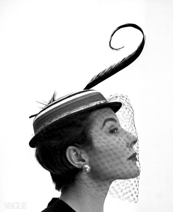 베티나, 파리, 1953© 조지 담비어(Georges Dambier)