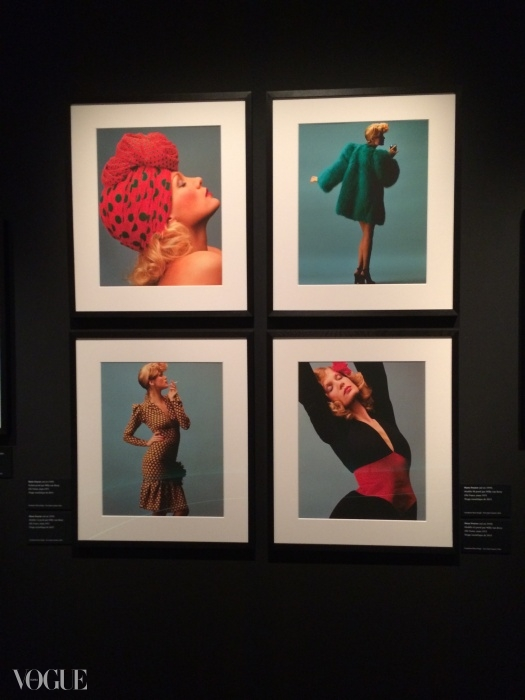 컬렉션의 모델 윌리 반 루이. Hans Feurer / Elle / Scoop ⓒ Fondation Pierre Bergé - Yves Saint Laurent