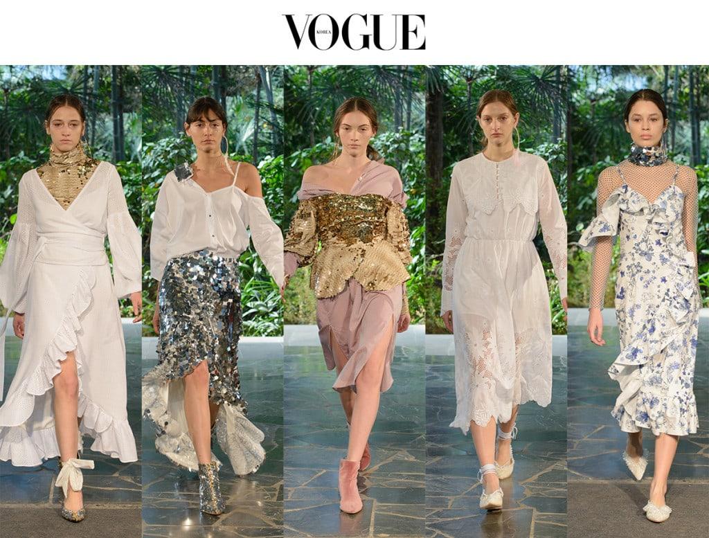 과할 정도로 눈부신 드레스, 스커트, 베스트, 터틀넥이 등장했는데, 많은 여성 관객들이 눈여겨본 건 다름아닌 비주구슬과 리본으로 장식된 키튼힐 펌프스였다.