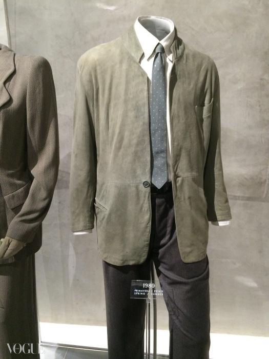 1980년 영화 <아메리칸 지골로>에서 리차드 기어가 입고 나온 아르마니 정장