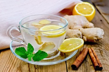 ginger_tea_in_a_glass_cup_m