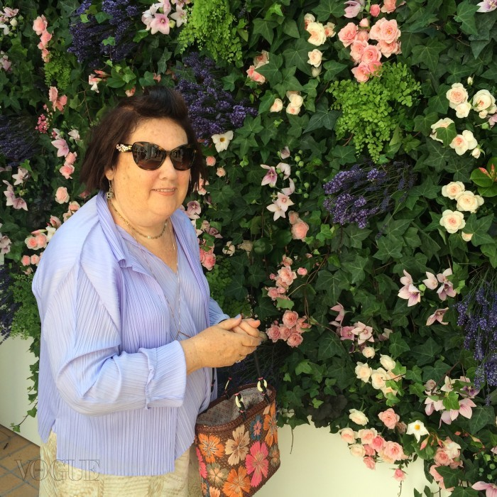 The Twisted Box Monogram bag by Frank Gehry_CREDIT Suzy Menkes Instagram