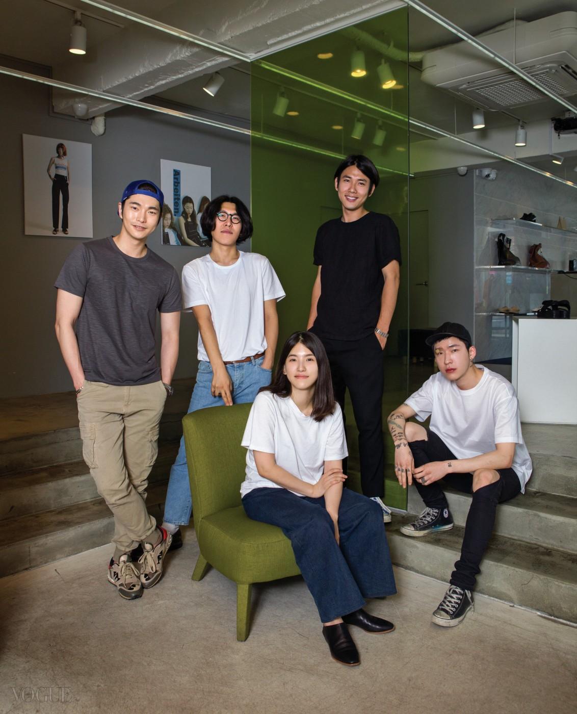 쇼호스트 이민웅, 사진가 오진혁, 로우 클래식 이명신, 사진가 김진용, 비주얼 디렉터 김성현.