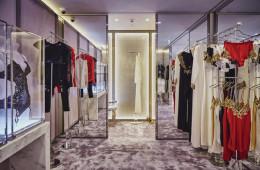 la perla flagship store