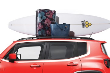자동차 / 올-뉴 지프 레니게이드 가방 / 투미 서프보드 / 채널 아일랜드.