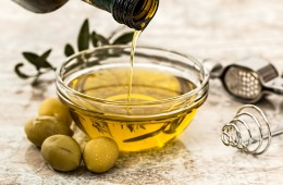 olive-oil-968657_1920