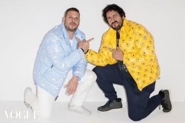 몽클레르 협업 재킷을 입은 프렌즈 위드 유의 듀오 아티스트 사무엘 보크슨(Samuel Borkson)과 아르투로 산도발 Ⅲ(Arturo Sandoval Ⅲ).