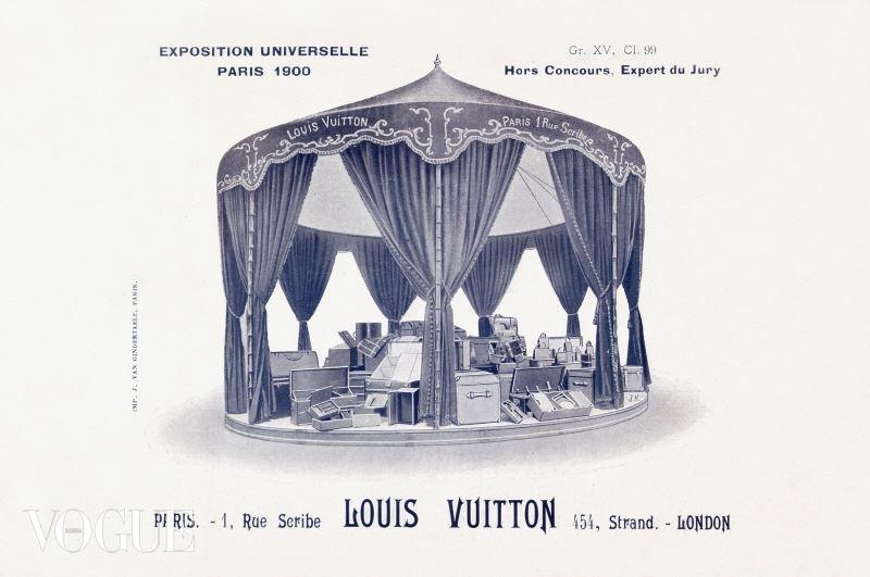 1900년 그랑 팔레에서 개최된 파리 만국 박람회 루이 비통 부스 © ARCHIVES LOUIS VUITTON