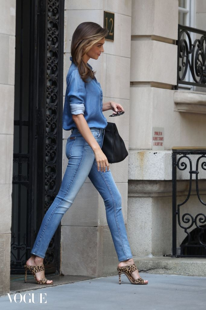Miranda Kerr leaving her apartment in denim
