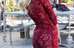 Candice Swanepoel looks radiant for 'Extra'