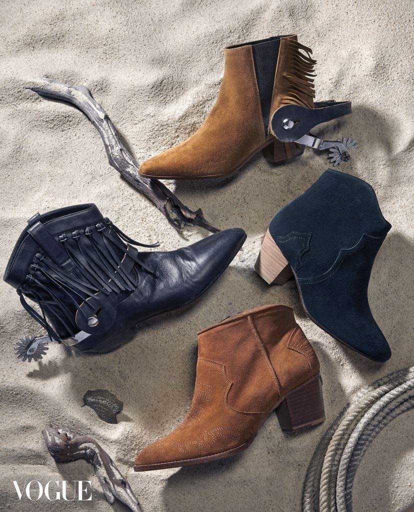 COWBOY INSPIRED 태슬 장식의 브라운 스웨이드 부츠와 블랙 프린지 장식 부츠는 생로랑(Saint Laurent), 블랙 스웨이드 부츠는 이자벨 마랑(Isabel Marant), 스티치 장식의 브라운 스웨이드 부츠는 쟈딕앤볼테르(Zadig&Voltaire).