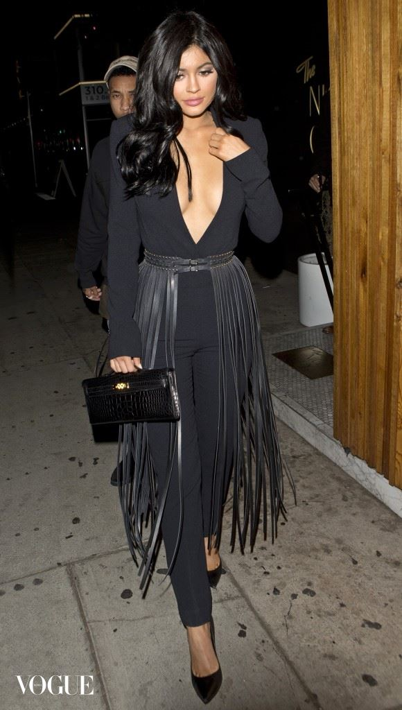 Kylie Jenner looking more and more like older sister Kim Kardashian as her and boyfriend Rapper and Tyga were seen leaving 'The Nice Guy' Restaurant/Bar in West Hollywood, CA Pictured: Kylie Jenner, Tyga Ref: SPL1175840  121115   Picture by: SPW / Splash News Splash News and Pictures Los Angeles: 310-821-2666 New York:	212-619-2666 London:	870-934-2666 photodesk@splashnews.com