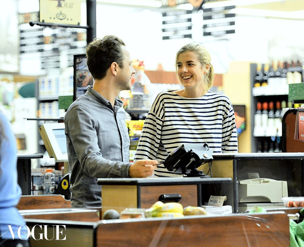 EXCLUSIVE: Agyness Deyn grocery shops with husband Giovanni Ribisi in Los Angeles, CA