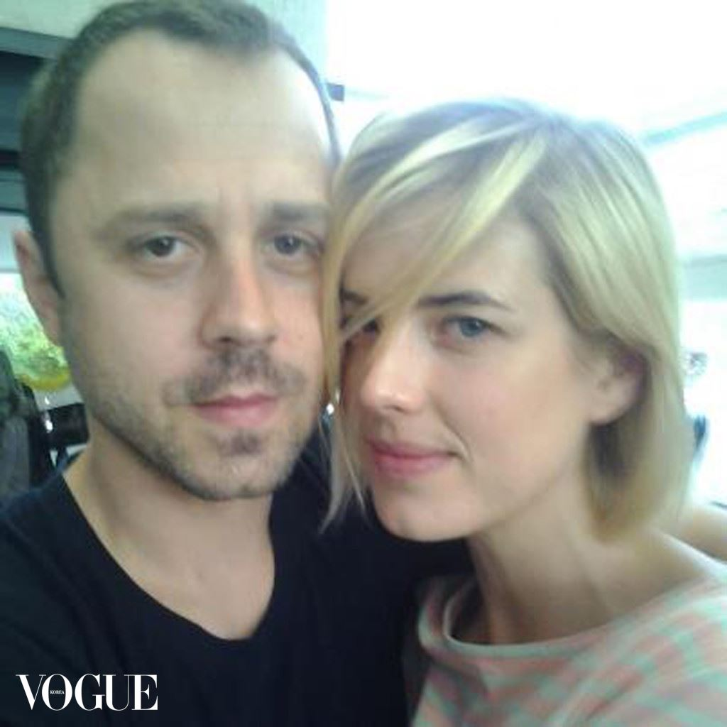 EXCLUSIVE: Agyness Deyn and Giovanni Ribisi pose for a photo as they marry in Los Angeles, California