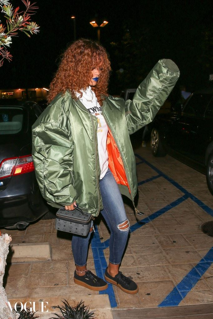 EXCLUSIVE: Rihanna dresses down for a sushi dinner at Nobu