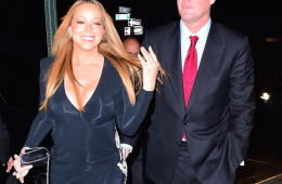 EXCLUSIVE: ***PREMIUM EXCLUSIVE RATES APPLY***NO WEB UNTIL 1.30AM PST, JANUARY 23, 2015*** Newly-engaged Mariah Carey shows off her huge engagement ring as she steps out with James Packer in New York City. Billionaire Packer popped the question in front of Mariah's closest friends at a private dinner at Eleven Madison Park.  Photos taken on January 21st 2016  Pictured: AB Ref: SPL1213219  220116   EXCLUSIVE Picture by: 247PAPS.TV / Splash News  Splash News and Pictures Los Angeles:310-821-2666 New York:212-619-2666 London:870-934-2666 photodesk@splashnews.com
