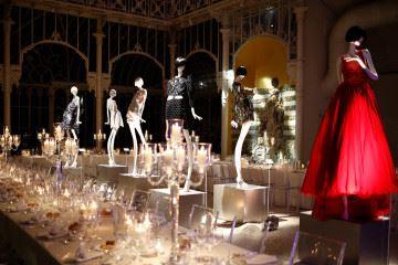 피렌체 포에버 이벤트 갈라 디너에 전시된 스와로브스키와 디자이너들의 콜라보레이션 에디션.