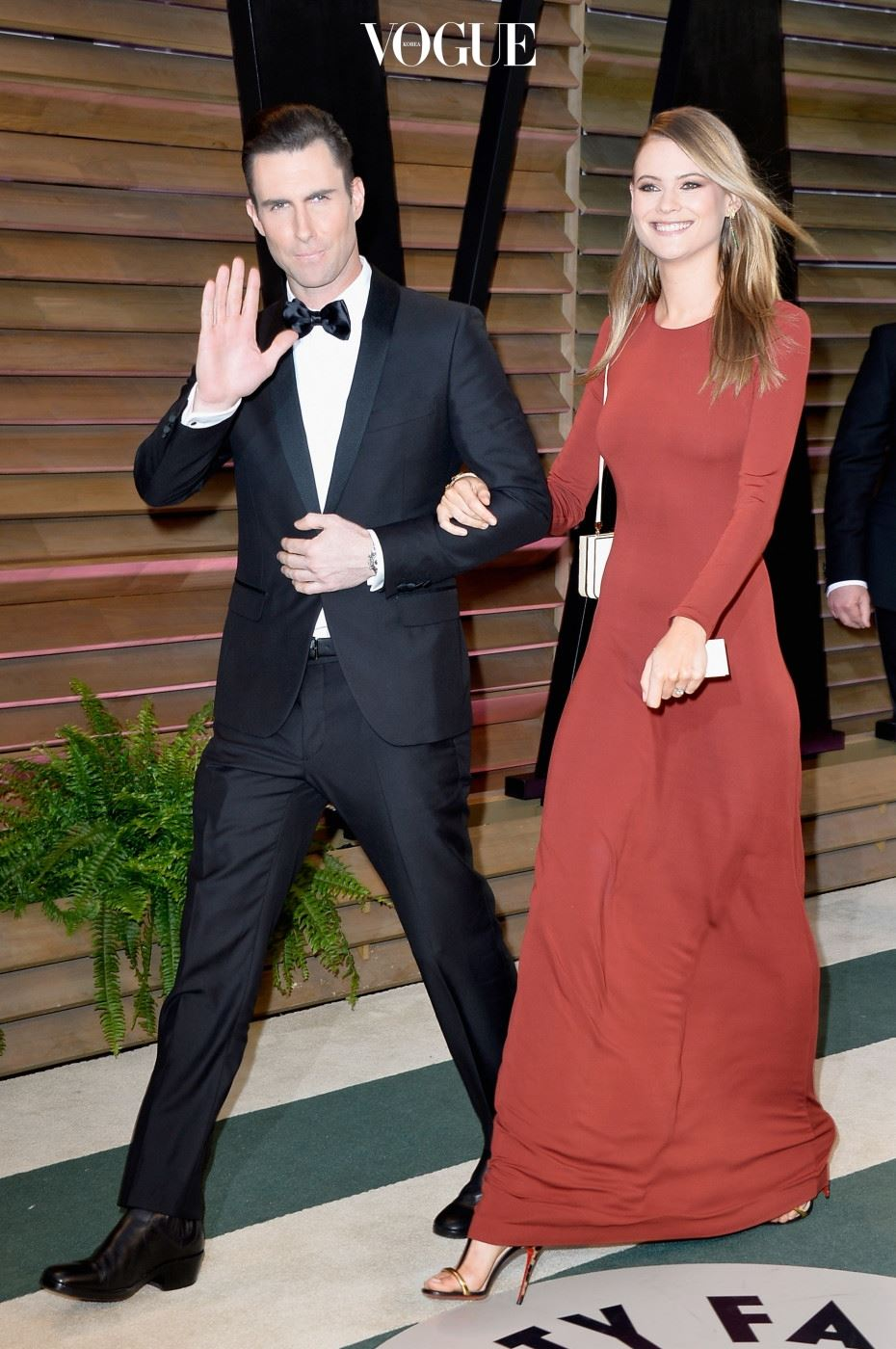 WEST HOLLYWOOD, CA - MARCH 02:  Musician Adam Levine (L) and model Behati Prinsloo attends the 2014 Vanity Fair Oscar Party hosted by Graydon Carter on March 2, 2014 in West Hollywood, California.  (Photo by Pascal Le Segretain/Getty Images)
