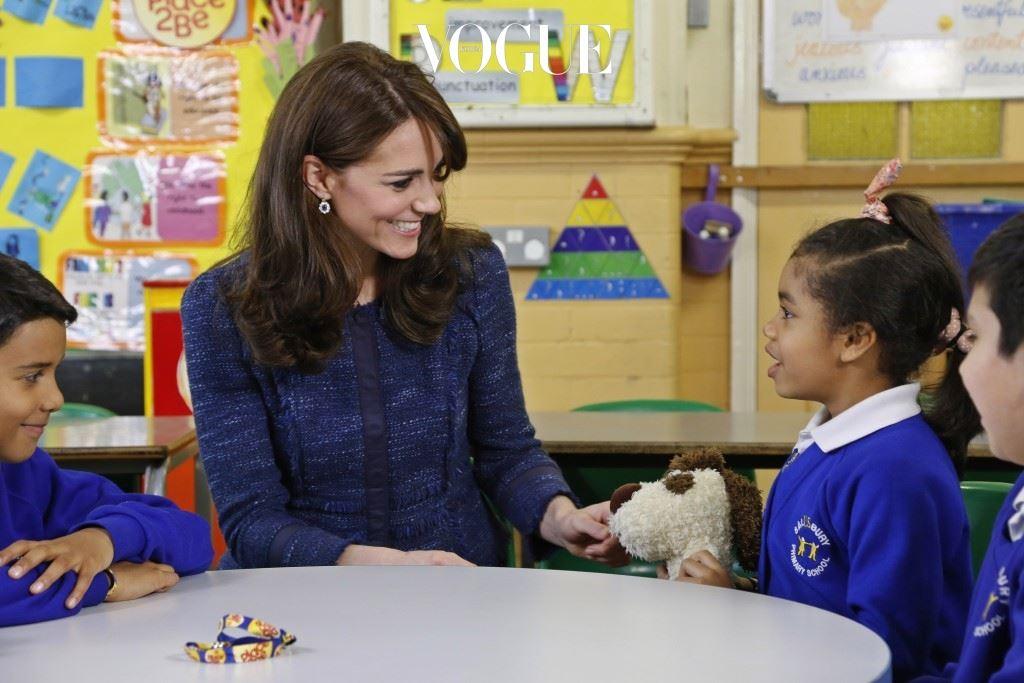 어린이를 생각하는 따뜻한 마음! 어린이들의 건강과 복지에 관심이 많은 케이트는 시간이 날 때마다 그들을 위한 각종 봉사 활동이나 행사, 프로그램에 참여한다고 하죠.