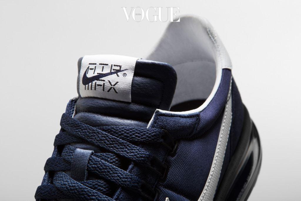 나이키 플라이와이어(Nike Flywire) 기술이 편안하면서도 안정적으로 발을 잡아준다.