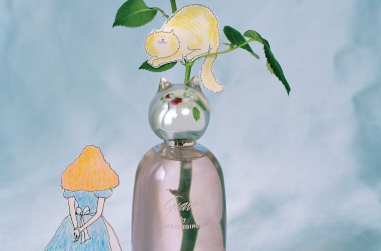 """미국 의대표적 인물인 그레이스 코딩턴이향수를 발표한다. 이름하여 '그레이스by 그레이스 코딩턴'. """"어릴 때 어머니가 장미 정원을 가꾸셨어요. 아주 특별한 기억으로 남아 있죠."""" '그레이스 by 그레이스 코딩턴'에서도 장미의 흔적을 찾아볼 수 있다."""