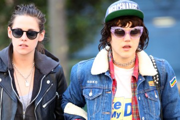 Actress kristen stewart and her rumored girlfriend singer Stephanie Sokolinski aka SoKo tried to dodge the paparazzi as they went to the dentist in Paris, France on March 17, 2016.  Pictured: Kristen Stewart and Stephanie Sokolinski aka SoKo Ref: SPL1243711  170316   Picture by: Splash News  Splash News and Pictures Los Angeles:	310-821-2666 New York:	212-619-2666 London:	870-934-2666 photodesk@splashnews.com
