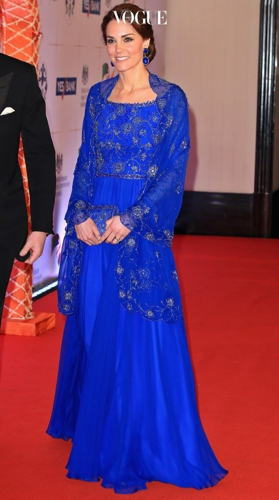 제니 팩햄(Jenny Packham)의 주얼 장식 가운 드레스, £3,500.
