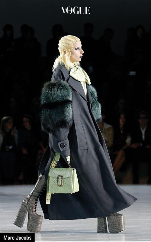패션 시스템에 혼란을 일으키고, 고정관념을 교란시키는 새로운 패션 디스럽터들. 이들 사이엔 중요한 요소가 있다. 패션 친구들과 나눈 우정에서 비롯된 에너지를 세상과 공유한다는 사실.