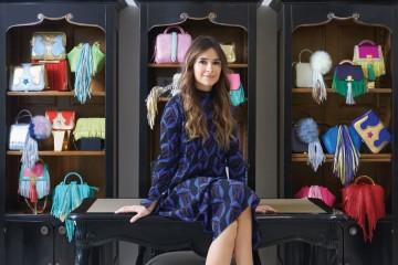 스트리트 스타일 스타, 러시안 패션 마피아, 뷰로 24/7의 설립자. 미로슬라바 두마의 인스타그램을 팔로우한다면 그녀가 서울에 들른 것을 쉽게 알 수 있다.