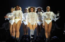 비욘세는 앨범을 공개하자마자 월드 투어 콘서트에 집중했습니다. 지난 4월 27일 마이애미에서 시작한 '포메이션 월드 투어(Formation World Tour)'!