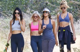 UK CLIENTS MUST CREDIT: AKM-GSI ONLY Hollywood, CA - Kendall Jenner takes a birthday hike in Hollywood hills with Hailey Baldwin. Kendall and her bestie Hailey where joined by a few of their friends for a hike together the day after her 20th Birthday party at The Nice Guy in L.A.  Pictured: Kendall Jenner Ref: SPL1168622  031115   Picture by: AKM-GSI / Splash News