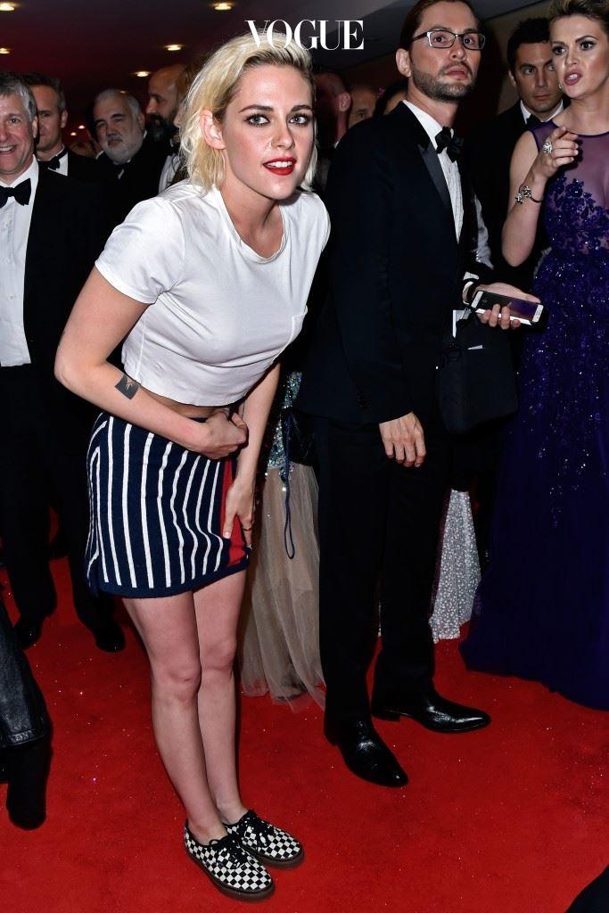 ※지금 당장, 금발을 실행하려는 분들에게 고합니다※ 2주에 한 번, 철저한 뿌염은 필수이니 즉흥적인 염색은 자제하시길… 크리스틴 스튜어트(Kristen Stewart)