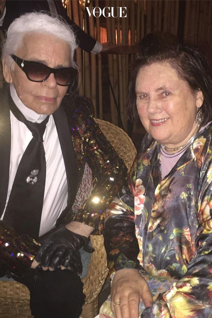 칼 라거펠트와 수지가 샤넬 크루즈 애프터 파티에서 '하바나 타임'을 보내고 있다.