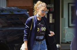 Gigi Hadid spotted wearing Daisy Duke denim shorts while going shopping in NYC  Pictured: Gigi Hadid Ref: SPL1279354  110516   Picture by: J. Webber / Splash News  Splash News and Pictures Los Angeles:	310-821-2666 New York:	212-619-2666 London:	870-934-2666 photodesk@splashnews.com