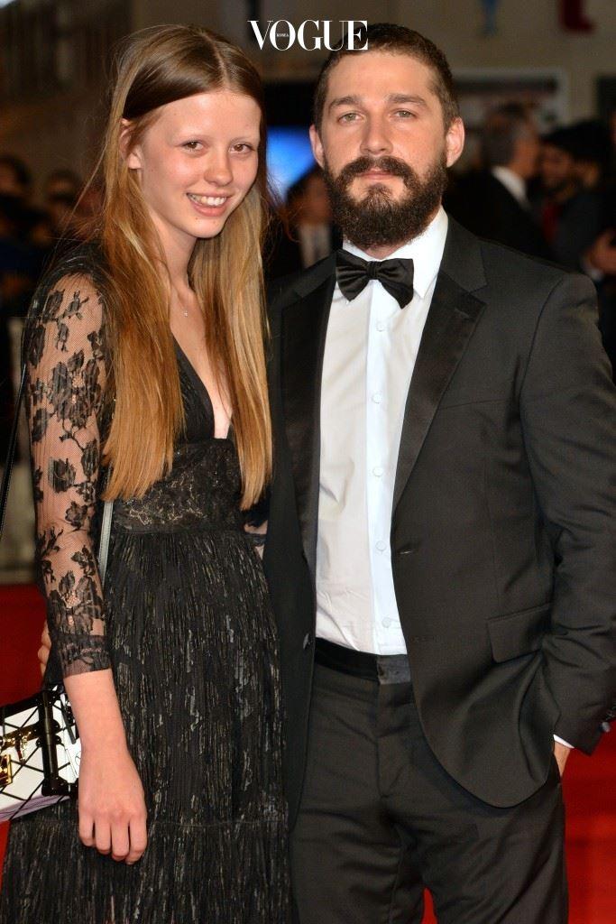 에서 P역으로 영화계에 발을 디딘 동시에 촬영 중 만난 샤이아 라보프(Shia LaBeouf)와 데이트를 시작하게 되니까요.