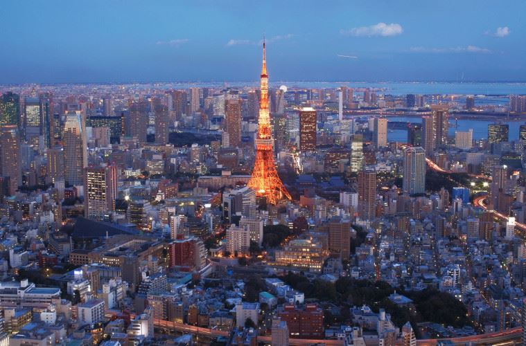 TOKYO, JAPAN - FEBRUARY 10:  A general view of Tokyo Tower and the surrounding area on February 10, 2012 in Tokyo, Japan.  (Photo by Adam Pretty/Getty Images)