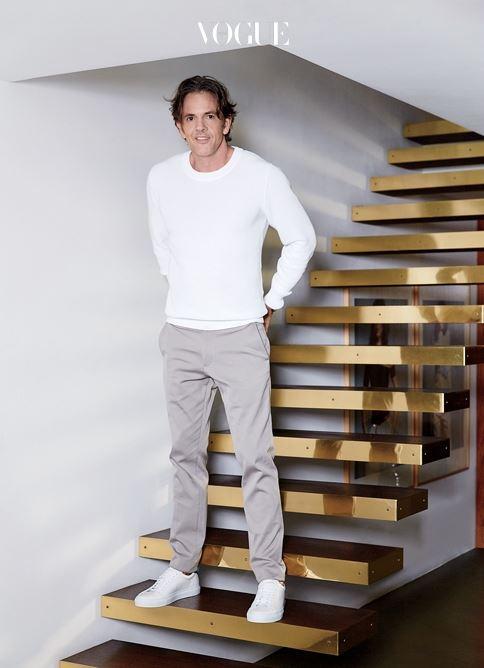 디자이너 로날트 판 데르 켐프의 자유로운 영혼은 지금 패션계가 필요로 하는 바로 그것이다. 네덜란드에 은신처를 마련한 그가 〈보그〉를 초대했다.