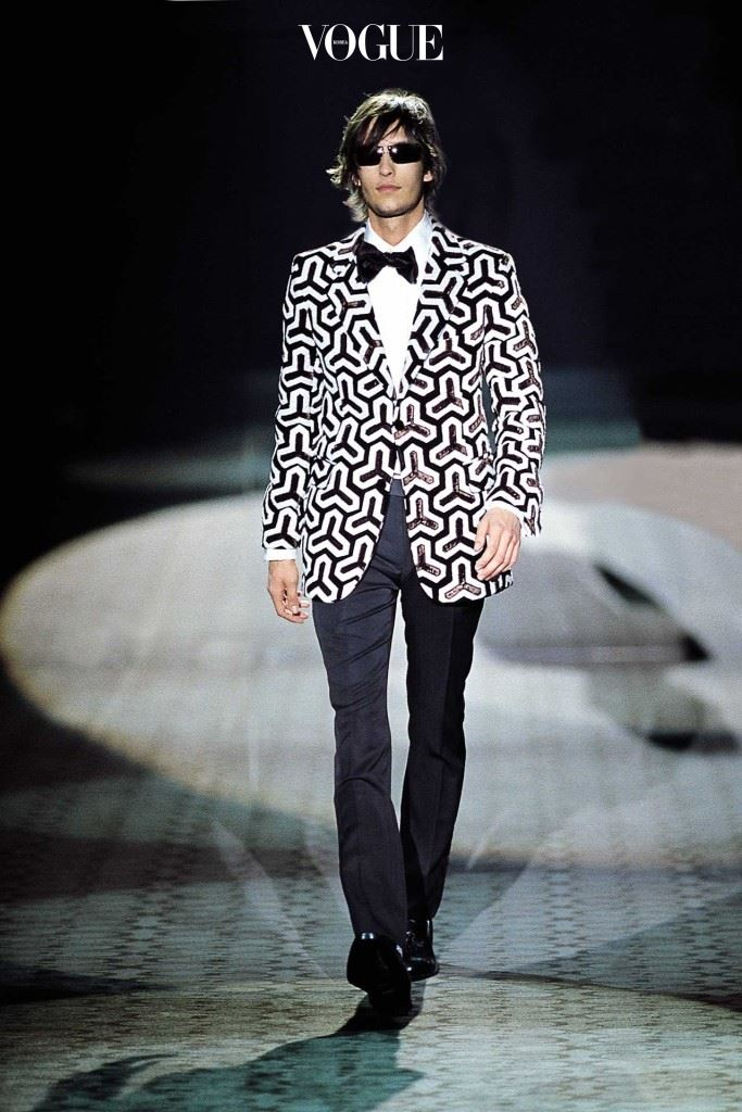 2000-2001 F/W 구찌 컬렉션의 이브닝 재킷.