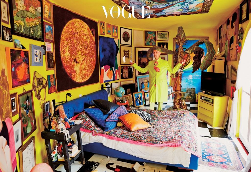 '시시콜콜 일상 전도사' 토드 셀비가 드디어 패션을 찍었다. 그는 '패셔너블 셀비'(출판사 1984)를 통해 우리가 알고 있던 패션 혹은 패션 세계의 영역을 확장시킨다.